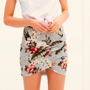 Zara Trafaluc Tropical Hibiscus Floral Skirt